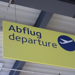 Departure sign in German