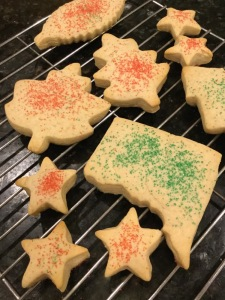 christmas-cookies-cooling